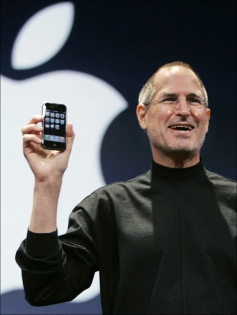 Steve-Jobs-iPhone